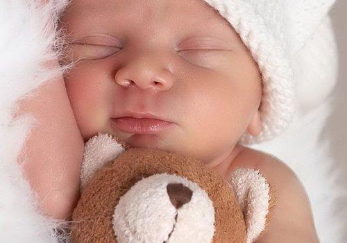 Как назвать девочку или мальчика рожденных в июле, список подходящих имен