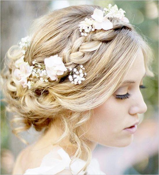 Прическа на средние волосы с цветком своими руками