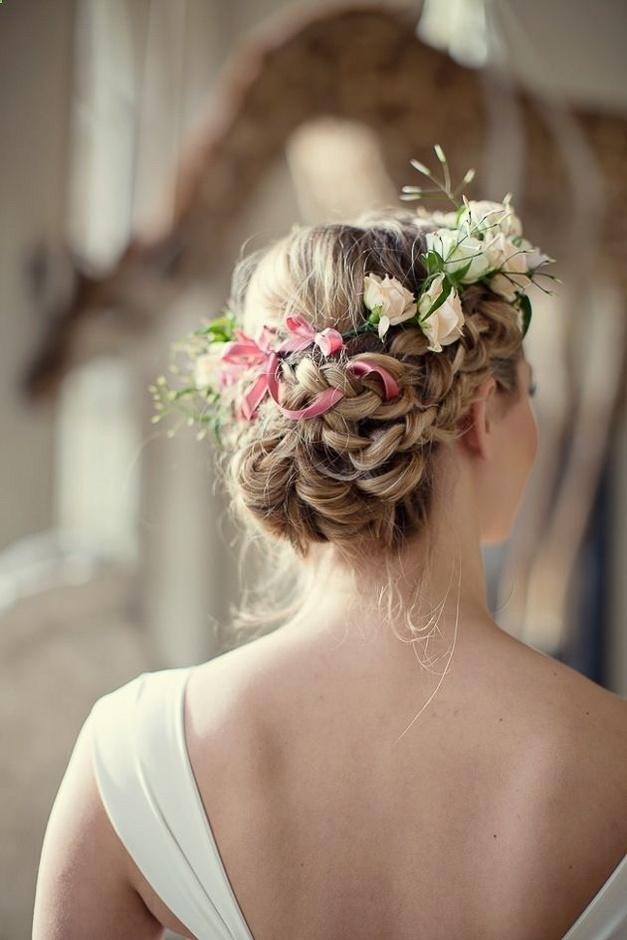 Живые цветы в волосы зимой где купить тюльпаны в москве по закупочной цене