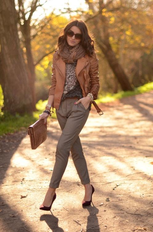 Что носить с кожаной курткой коричневого цвета