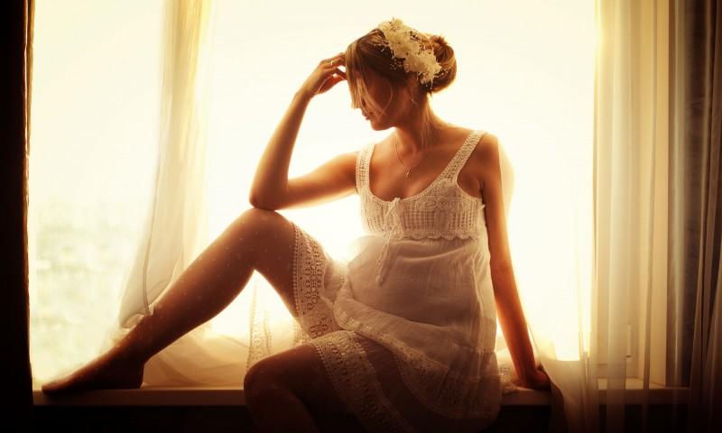 Желтые выделения во время беременности: стоит ли переживать