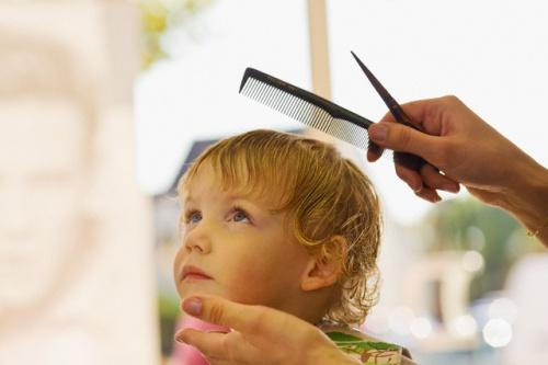 Можно ли стричь детей до года, развеиваем предрассудки и мифы