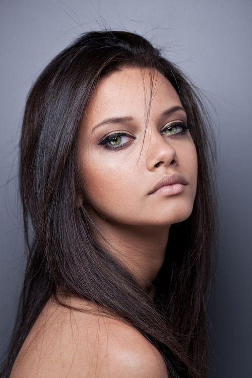Какие тени подходят к зеленым глазам и светлым волосам