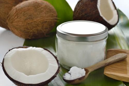 Кокосовое масло для волос: польза, способы приготовления и применение