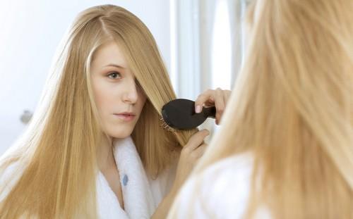 как помочь осветленным волосам