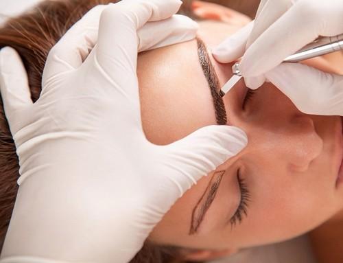 Что такое микроблейдинг бровей и чем он отличается от обычного татуажа