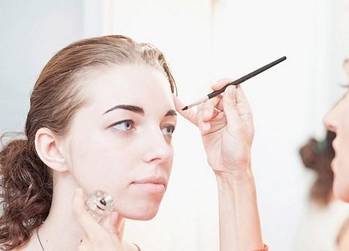 3 способа благодаря которым вы сможете осветлить брови