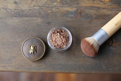 Пудра для бровей, зачем она нужна и как ею пользоваться