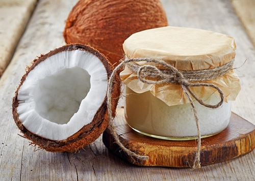 Используем кокосовое масло для загара на солнце