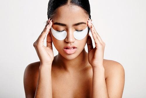 Что такое гидрогелевые патчи для глаз и как их использовать