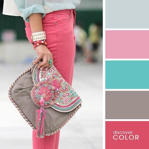 при знакомстве цвета одежды влияют