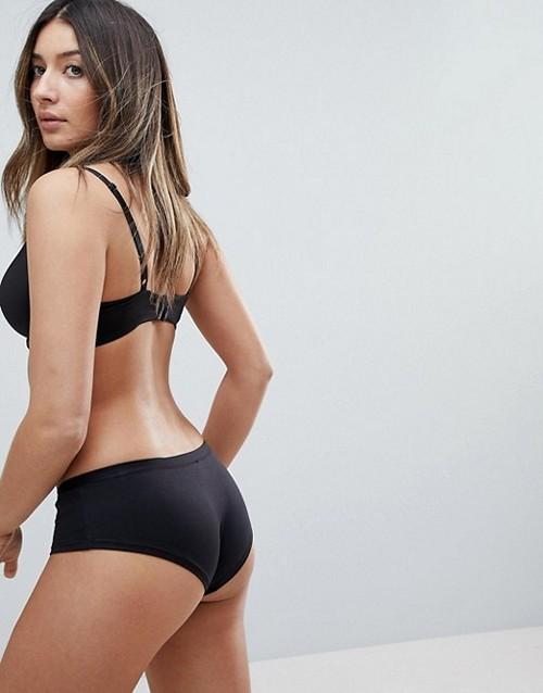 https://womansay.net/assets/images/moda/2018/05/female-underpants/active-slip-01.jpg