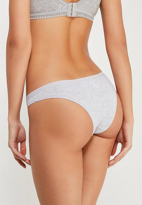 https://womansay.net/assets/images/moda/2018/05/female-underpants/brazil-03.jpg