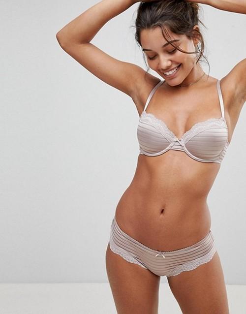https://womansay.net/assets/images/moda/2018/05/female-underpants/brif-02.jpg