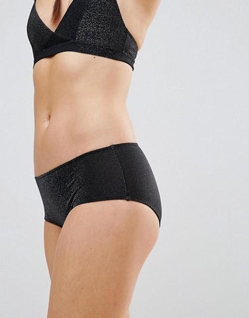https://womansay.net/assets/images/moda/2018/05/female-underpants/hipster-03.jpg