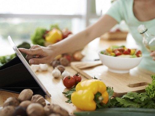 Мы постарались систематизировать эту информацию, выделив основные постулаты правильного  питания для похудения, примерное меню которого теперь будет ... f1ca6e0514d