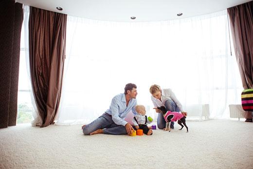 Отличные идеи для фотосессии дома одной или в компании друзей и близких