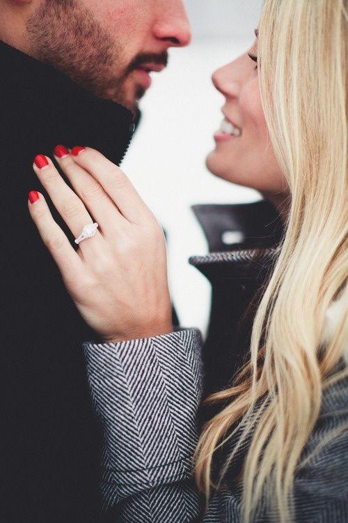 Где носят обручальное кольцо женщины