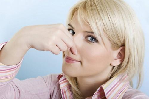 Причины и секреты избавления  от запаха пота в обуви