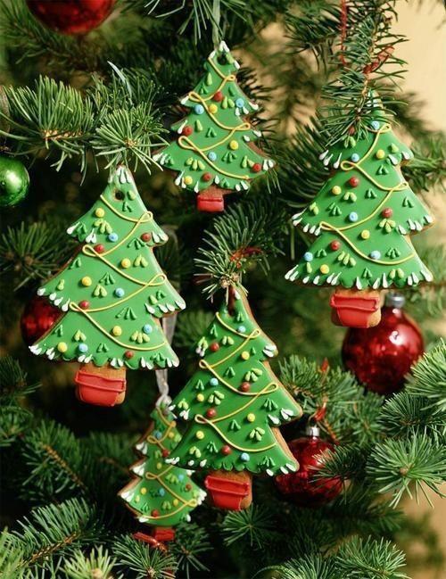 Как красиво украсить новогоднюю елку