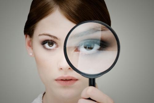 Что делать, если дергается глаз и почему это происходит